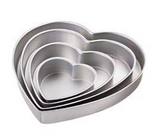 Decorator Preferred¨ Heart Pan Set